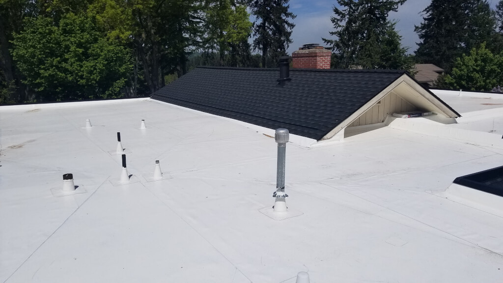 A freshly installed IB Membrane Roof in Salem, Oregon.